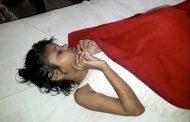 في الهند ..العثور على طفلة تعيش بين الحيوانات وتمشي على أربع