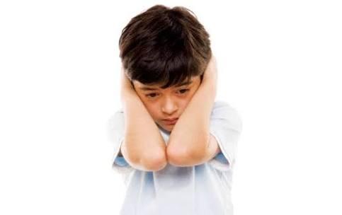 كيف تعرف أن ابنك مريض بالتوحد ..الأسباب والتشخيص