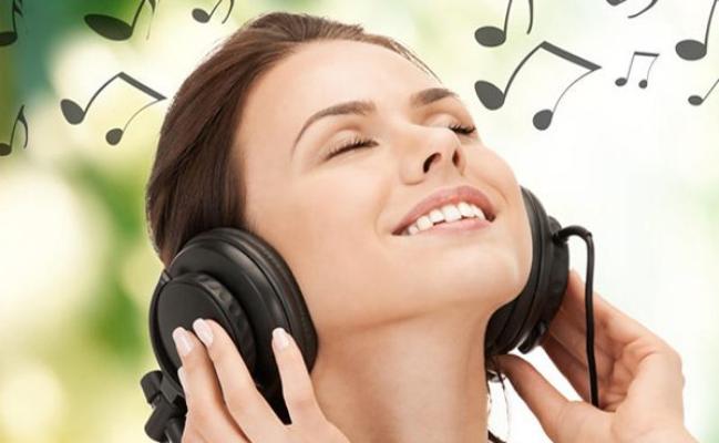 كيف يمكنك تعلّم اللغة من خلال سماع الأغاني ؟
