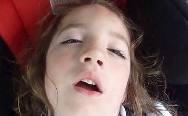 هل تعرف لماذا ينام بعض الأشخاص بأعين نصف مفتوحة؟ .. تعرّف على السبب
