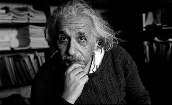 ماذا تعرف عن النظرية النسبية العامة .. شرح رائع