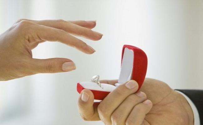 علماء النفس يخبرونك: البقاء عازبًا أفضل من أن تكون متزوجًا