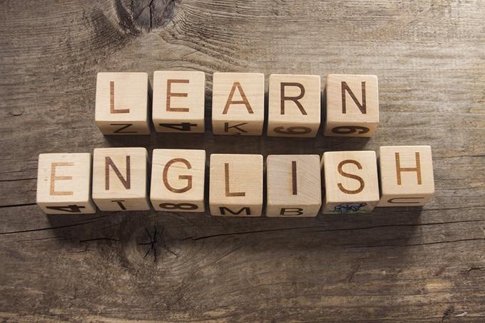 5 كتب رائعة لتعلم اللغة الإنجليزية بكل سهولة (قراءة وتحميل مجانًا)