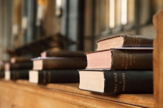 أفضل موقع على شبكة الإنترنت لتحميل آلاف الكتب الإنجليزية مجانًا