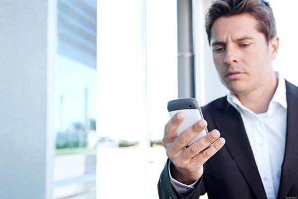 5 علامات إذا ظهرت لك فتأكد أن هاتفك مراقب !