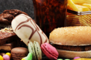تحذير من هذه الأطعمة تسبب تليف في الكبد